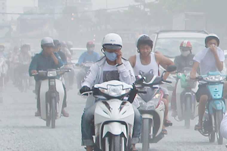 Ô nhiễm môi trường, khói bụi là các nguyên nhân gây viêm mũi phổ biến
