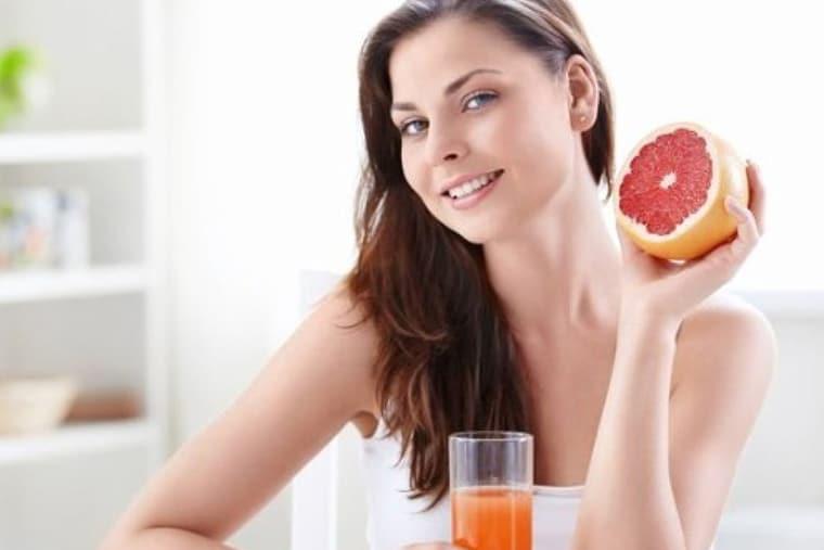 Nước ép hoa quả giúp mẹ lấy lại vóc dáng, lợi sữa