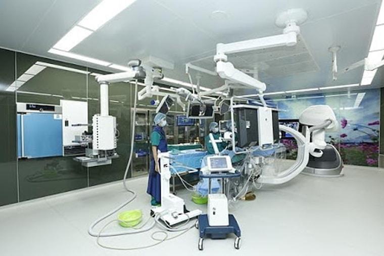 3 phòng mổ Hybrid chuẩn quốc tế được viện trang bị