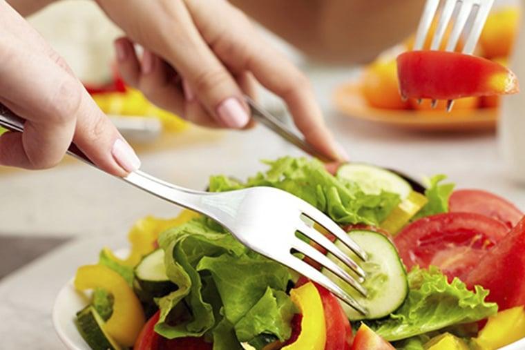 Nên kết hợp chế độ ăn uống giàu dinh dưỡng
