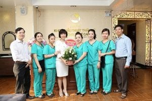 Tập thể y bác sỹ tại bệnh viện Thu Cúc