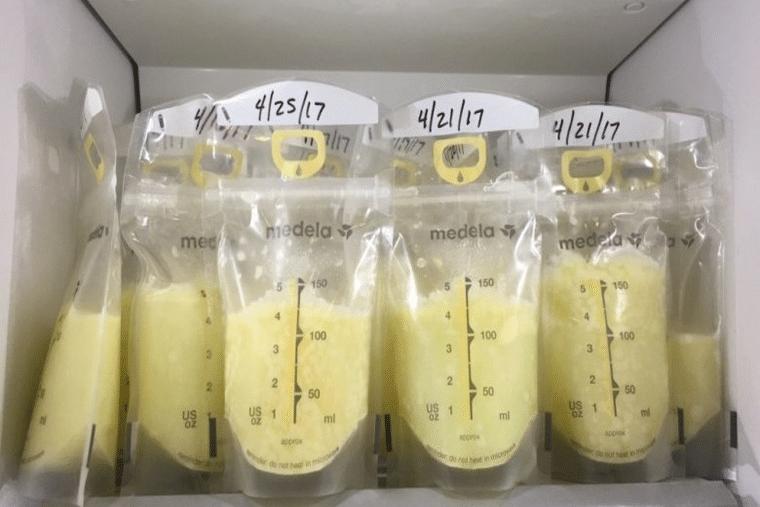 Một trong những cách hút sữa và trữ sữa chuẩn là không bao giờ pha lẫn sữa mới và cũ với nhau