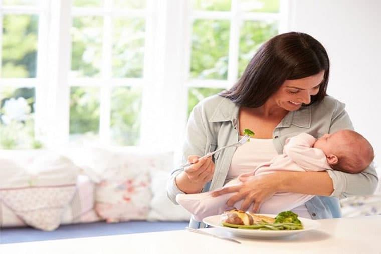 Phụ nữ sau sinh nên ăn gì để tốt cho bản thân và cả con?