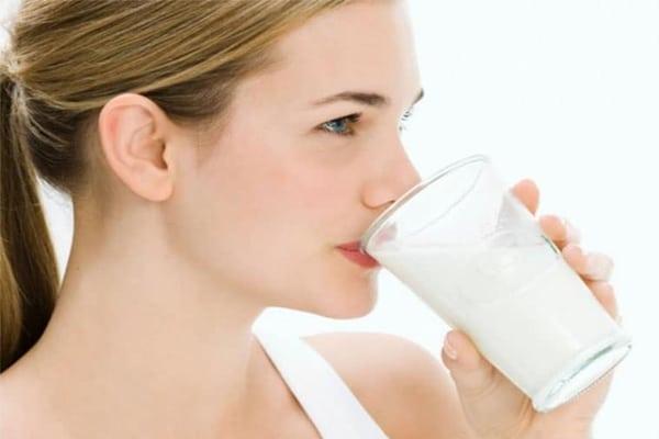 Mẹ cho con bú nên uống sữa gì là tốt nhất?