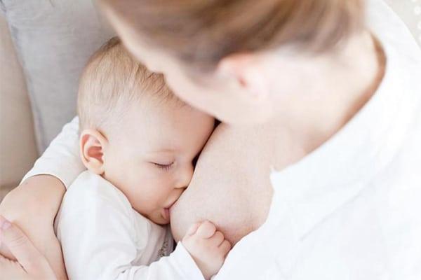 Bột lợi sữa Hipp giúp nguồn sữa mẹ dồi dào hơn