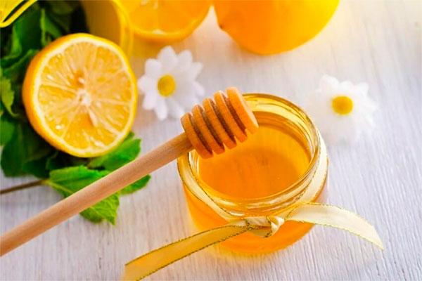 Mật ong kết hợp chanh tươi là bài thuốc hiệu quả