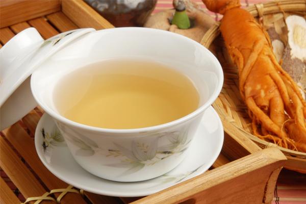 Sử dụng sâm Ngọc Linh pha trà để uống hàng ngày