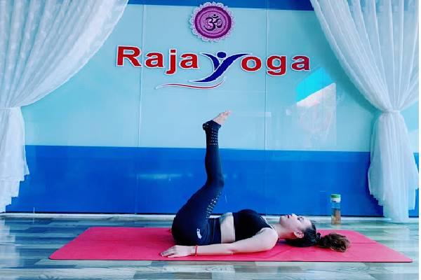 Tập Yoga là một cách tốt để làm giảm suy giãn tĩnh mạch