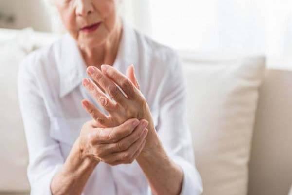 Phụ nữ cao tuổi có nguy cơ bị gout cao