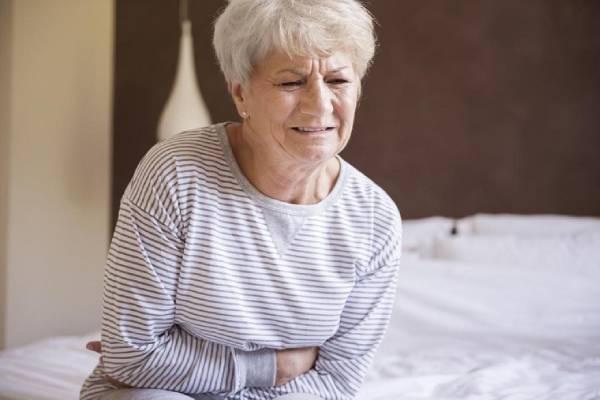 Suy thận là một phần nguyên nhân gây bệnh gout ở phụ nữ cao tuổi