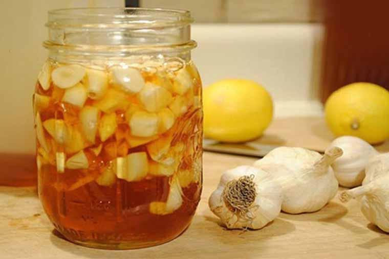 Cách chữa ho nhanh chóng bằng tỏi và mật ong