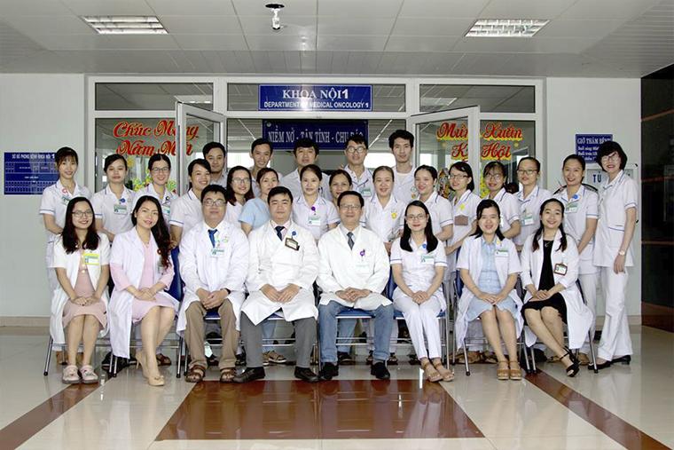 Các bác sĩ khoa nội I bệnh viện ung Bướu Đà Nẵng