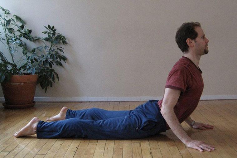 Trước khi tập Yoga cần khởi động kỹ, tránh gây tổn thương cho cơ và xương