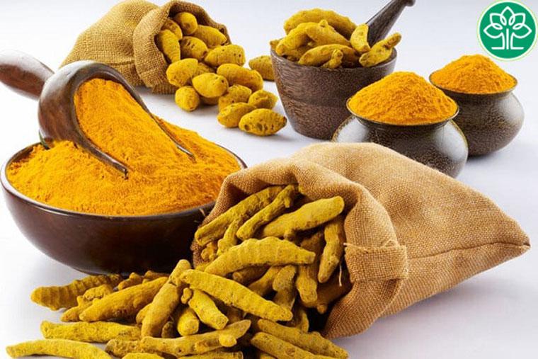 Bài thuốc cao nghệ vàng và củ ráy rất hữu hiệu với người mắc viêm da cơ địa