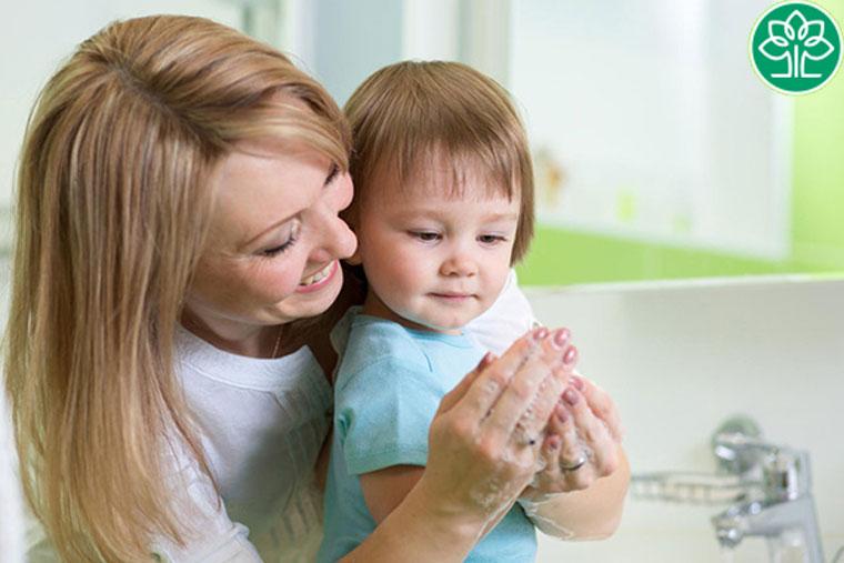 Giữ vệ sinh phòng viêm phế quản ở trẻ