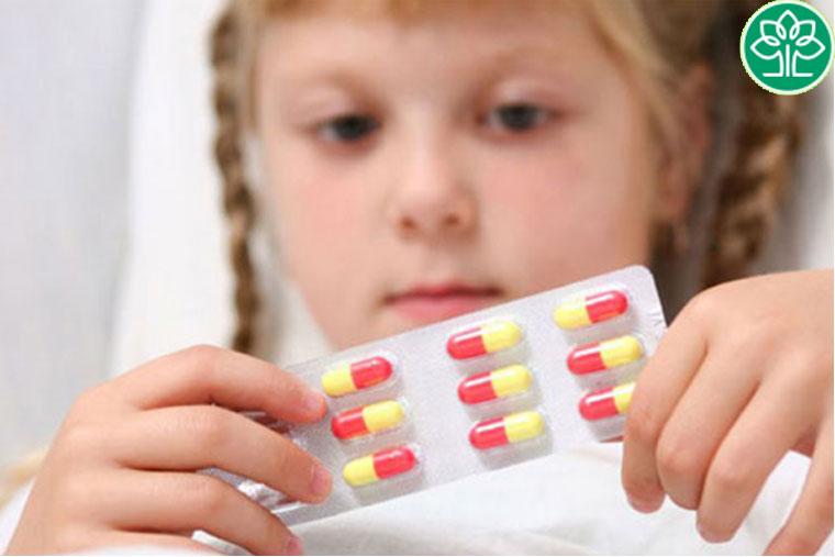 Không tự ý mua và cho trẻ sử dụng thuốc chữa ho gà khi không có chỉ định của bác sĩ