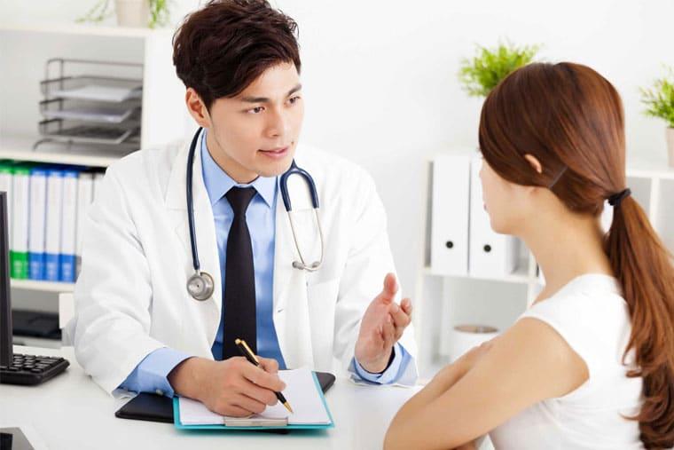 Thăm khám bác sĩ để xác định chính xác tình trạng bệnh