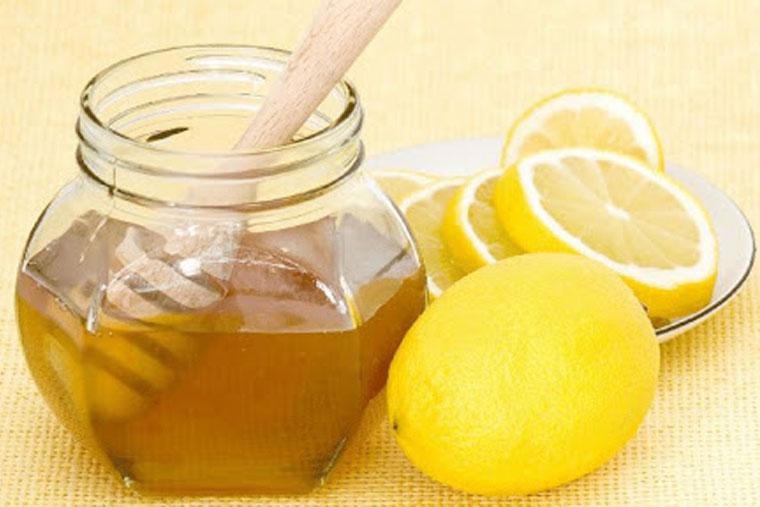 Cách chữa viêm amidan bằng mật ong và quất hoặc chanh