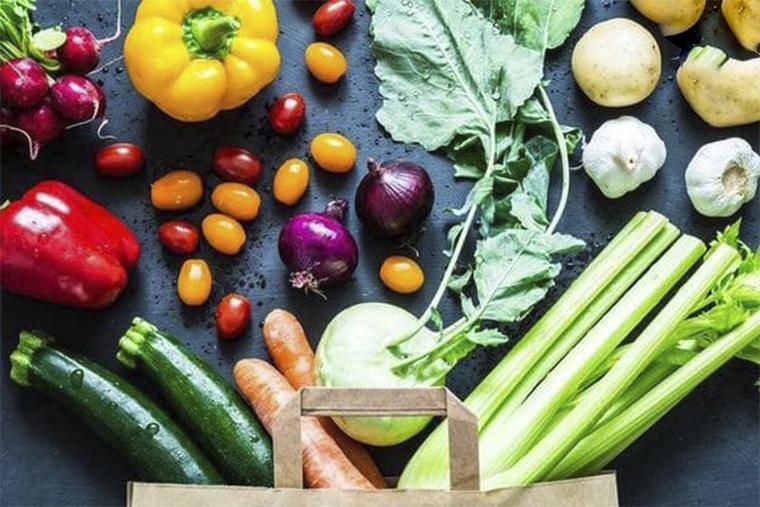 Ăn uống lành mạnh, tránh những thực phẩm dễ gây dị ứng cũng là một cách phòng bệnh hiệu quả
