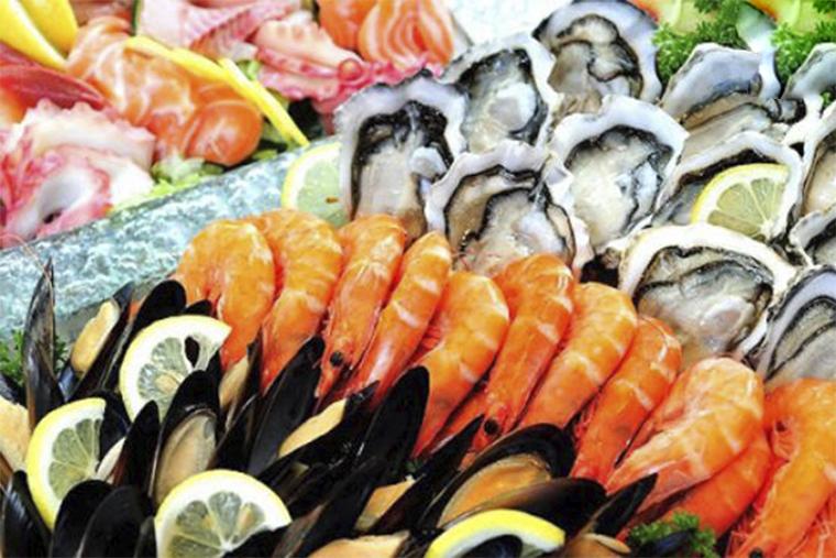 Mề đay phong hàn kiêng ăn hải sản