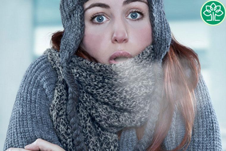 Để cơ thể bị lạnh cũng có thể là nguyên nhân gây viêm amidan
