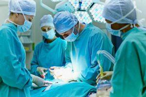 Phẫu thuật cũng là một cách chữa xuất tinh sớm ở nam giới