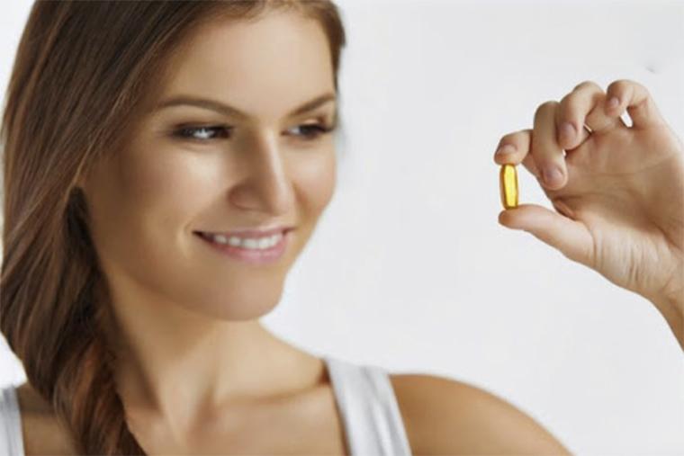 Bổ sung vitamin hàng ngày giúp bạn có một mái tóc dày, mềm mượt