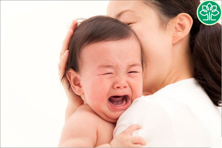 Sữa mẹ bị nóng thì phải làm sao?