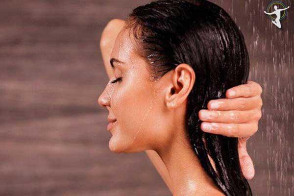 Nên chọn nước tắm có nhiệt độ thích hợp khi bị nổi mề đay