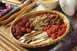 Sử dụng thuốc Đông y giúp triệu chứng ngứa, đau rát giảm rõ rệt