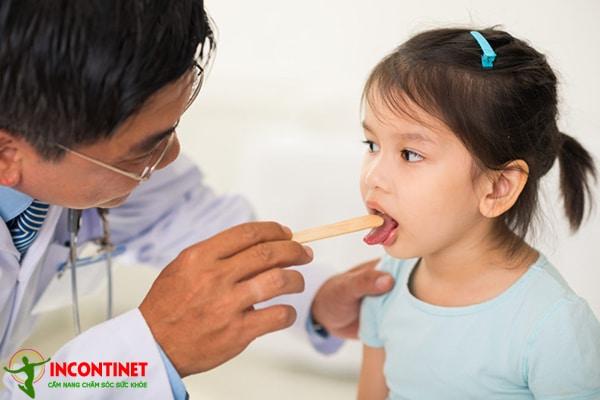 Trẻ bị viêm amidan nên kiêng ăn gì