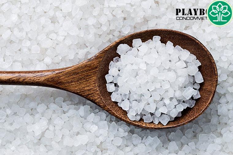 Trị hôi vùng kín bằng muối