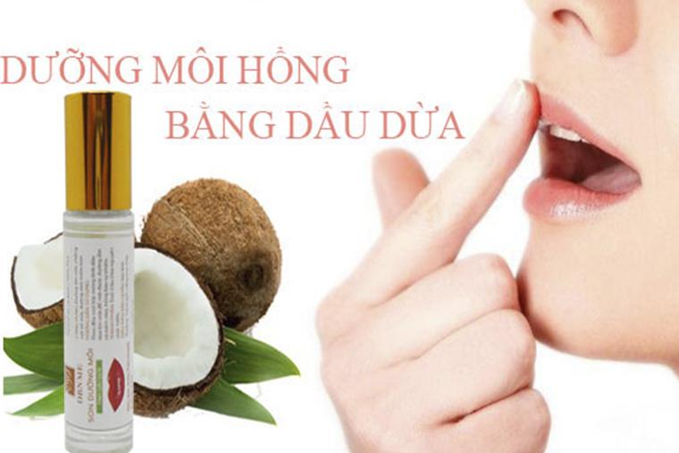 Thoa dầu dừa lên môi để cung cấp độ ẩm, kích thích phục hồi tế bào hư tổn