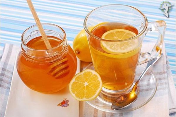 Trà mật ong rất tốt cho người bị viêm họng, giúp giảm đau rát cổ họng hiệu quả