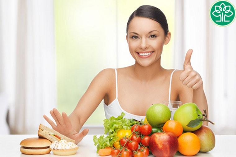 Người bệnh viêm phế quản mãn tính cần có chế độ ăn hợp lý
